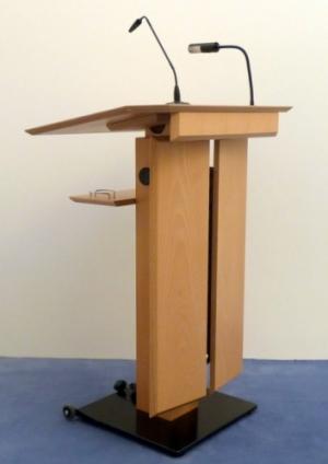Rednerpult LENNEP seitliche Vorderansicht