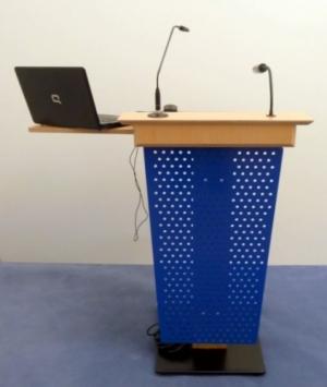 Rednerpult OLPE Vorderansicht Blau
