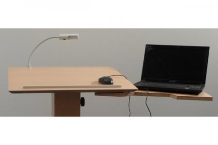 Schwenkbare Laptopablage Hinten mit Laptop Nr. 2