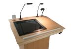 Einbau eines 17'' Touchscreen-Monitors im Rednerpult